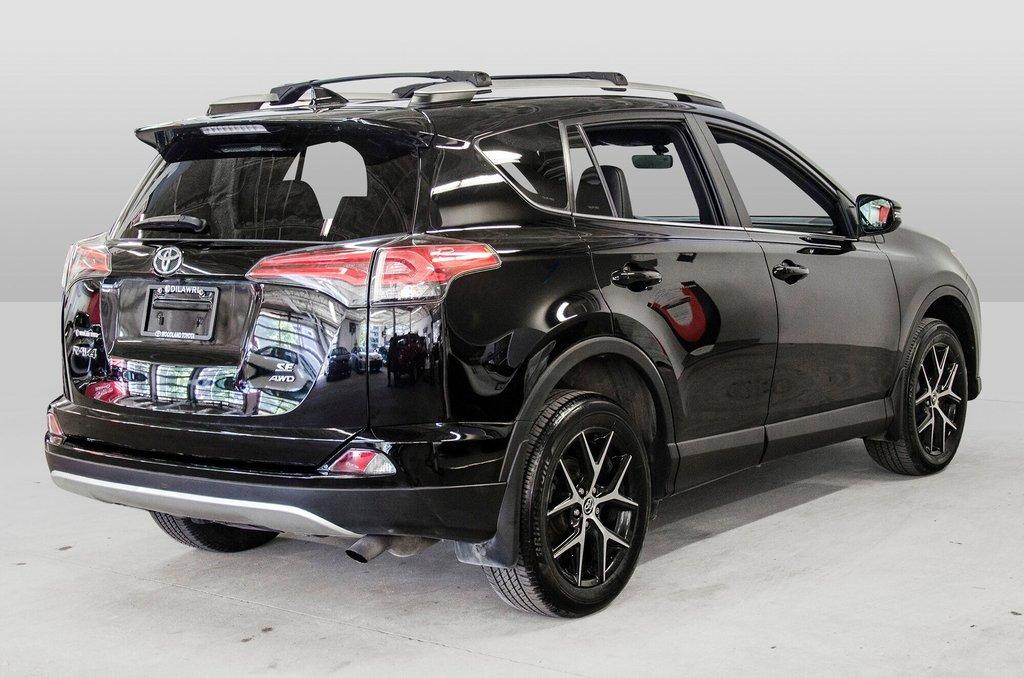 Toyota Camry Hybrid SE CVT 2019 à Verdun, Québec - 7 - w1024h768px