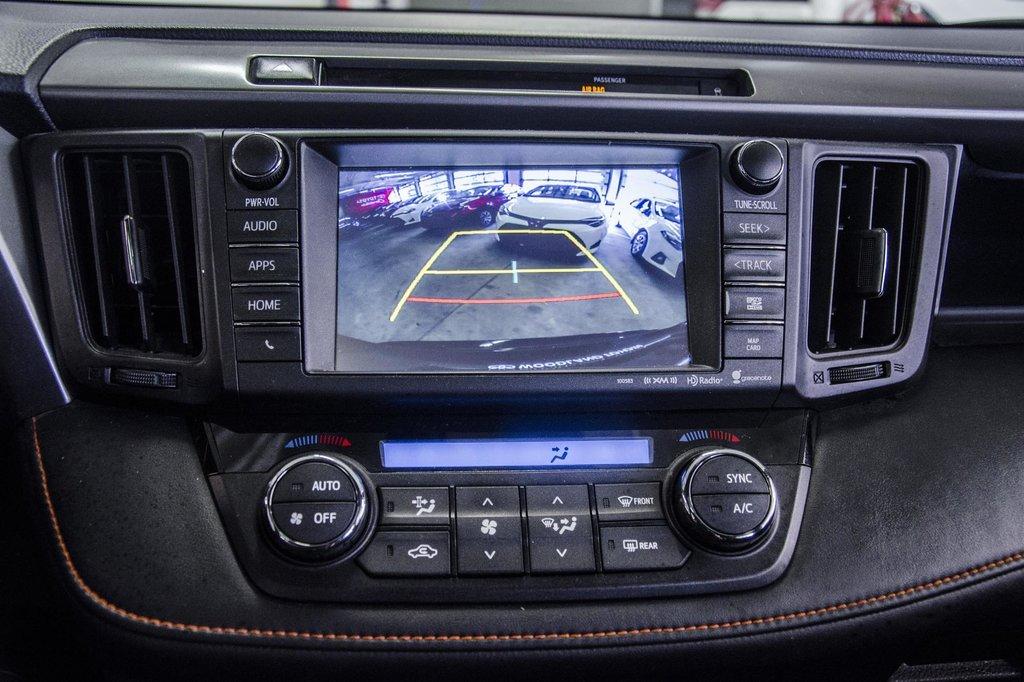 Toyota Camry Hybrid SE CVT 2019 à Verdun, Québec - 18 - w1024h768px