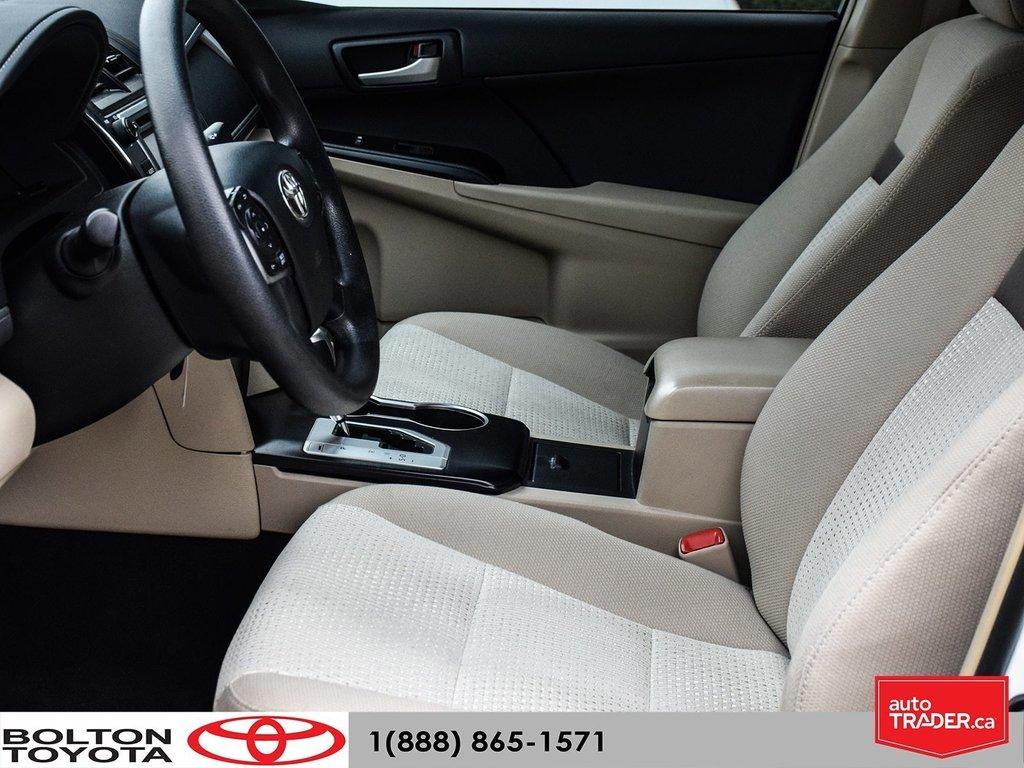 2014 Toyota Camry 4-door Sedan LE 6A (2) in Bolton, Ontario - 11 - w1024h768px