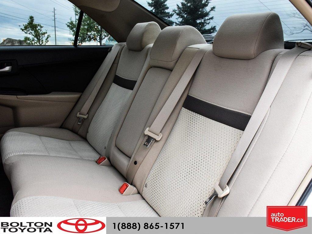 2014 Toyota Camry 4-door Sedan LE 6A (2) in Bolton, Ontario - 14 - w1024h768px