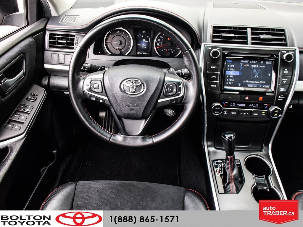 2015 Toyota Camry 4-Door Sedan XSE 6A in Bolton, Ontario - 19 - w1024h768px