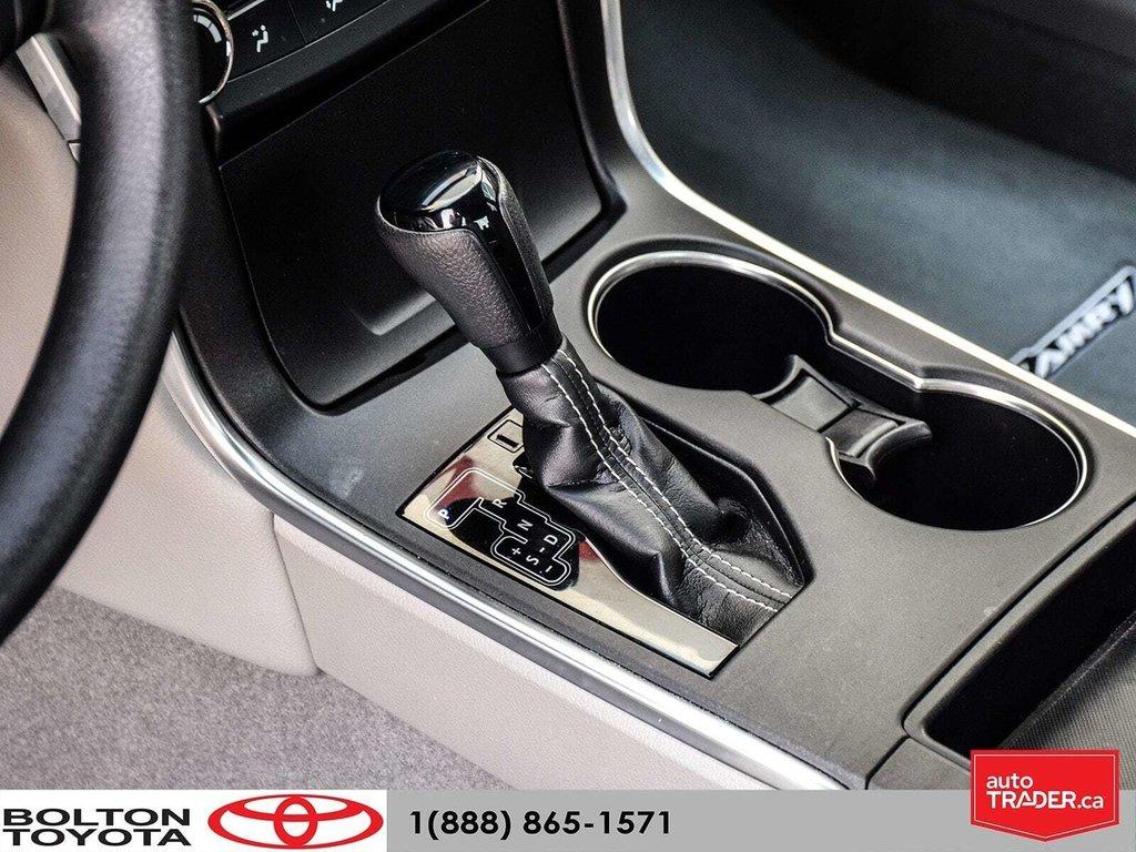 2016 Toyota Camry 4-Door Sedan LE 6A in Bolton, Ontario - 3 - w1024h768px