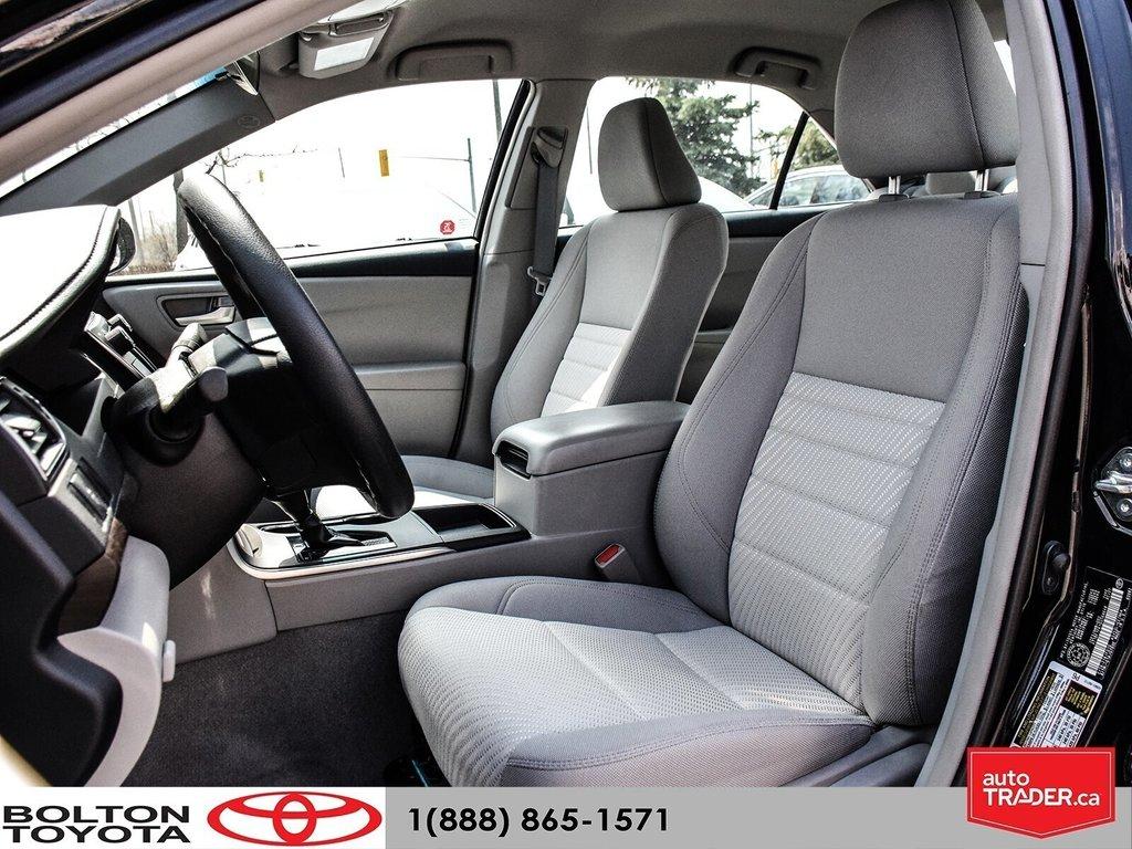 2016 Toyota Camry 4-Door Sedan LE 6A in Bolton, Ontario - 4 - w1024h768px