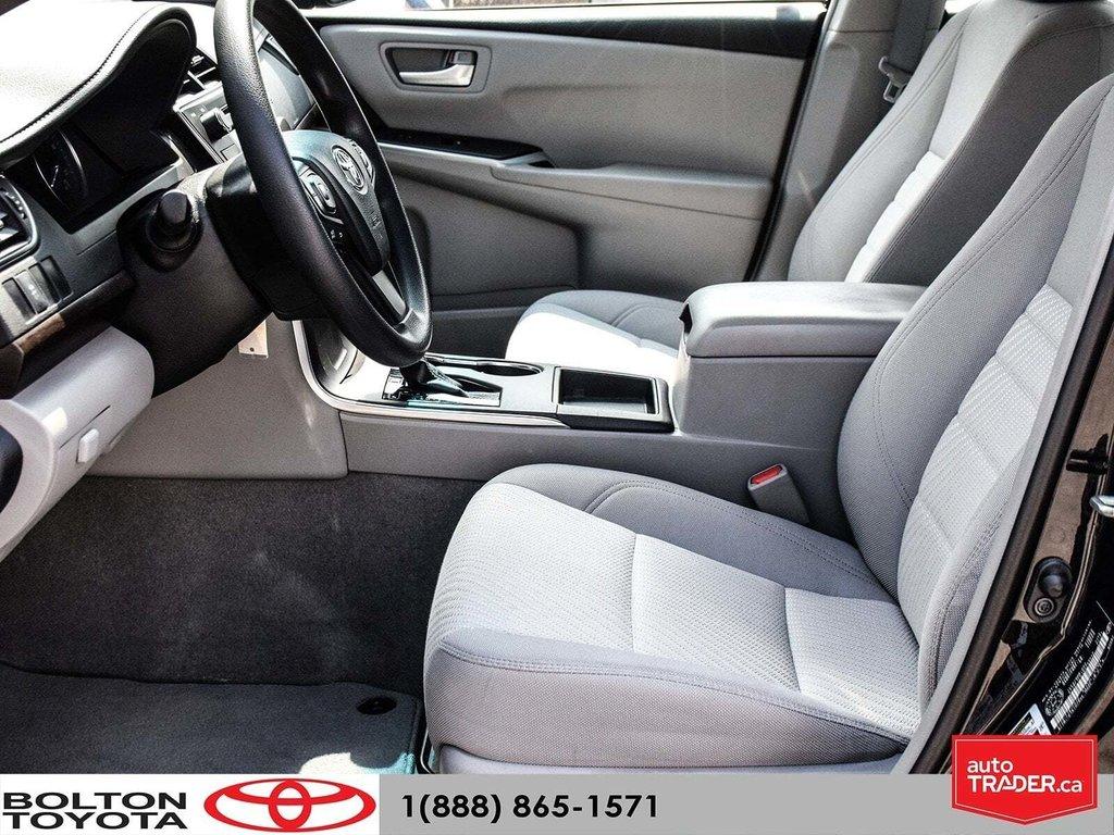 2016 Toyota Camry 4-Door Sedan LE 6A in Bolton, Ontario - 19 - w1024h768px