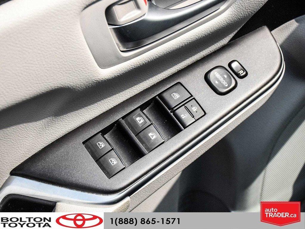 2016 Toyota Camry 4-Door Sedan LE 6A in Bolton, Ontario - 13 - w1024h768px