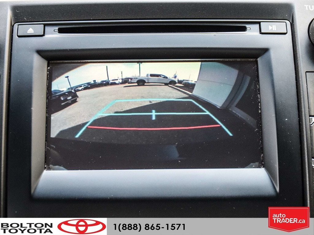 2016 Toyota Camry 4-Door Sedan LE 6A in Bolton, Ontario - 9 - w1024h768px