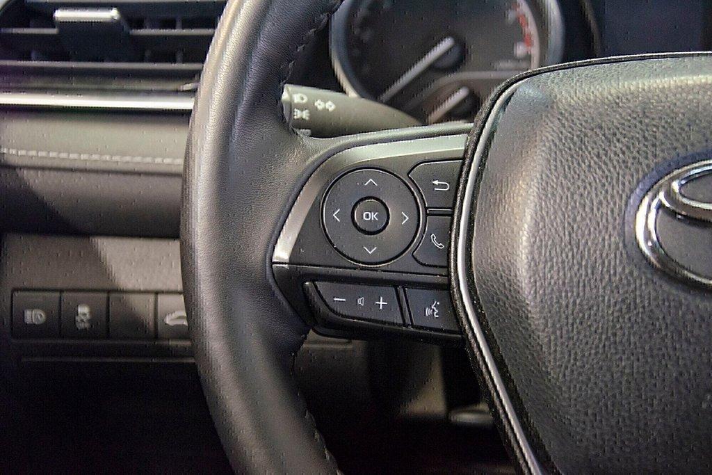 Toyota Camry 4-Door Sedan SE 8A 2018 à Verdun, Québec - 18 - w1024h768px
