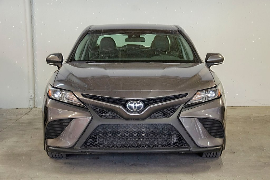 Toyota Camry 4-Door Sedan SE 8A 2018 à Verdun, Québec - 3 - w1024h768px