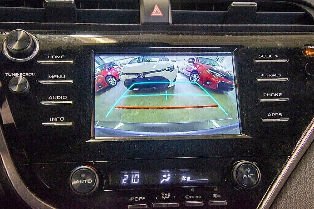 Toyota Camry 4-Door Sedan SE 8A 2018 à Verdun, Québec - 23 - w1024h768px