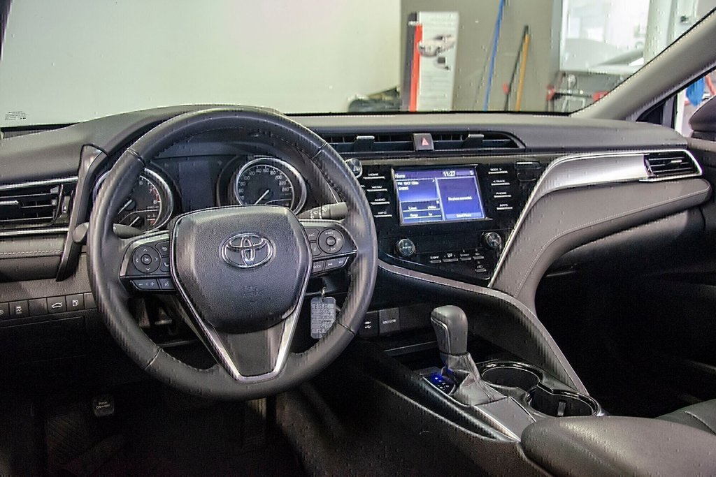 Toyota Camry 4-Door Sedan SE 8A 2018 à Verdun, Québec - 13 - w1024h768px