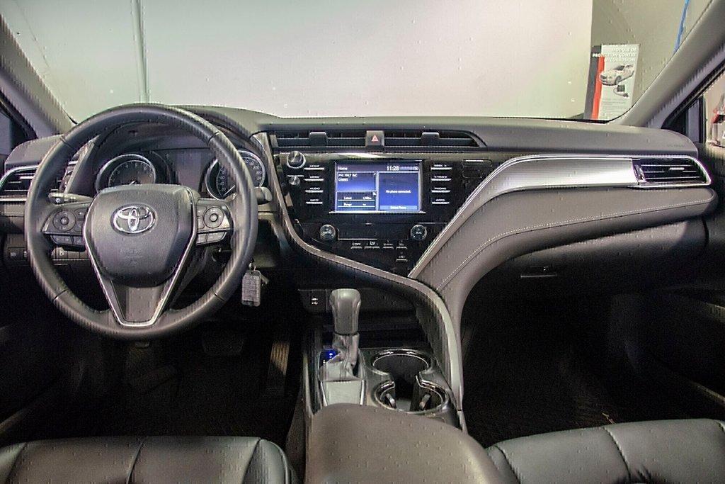 Toyota Camry 4-Door Sedan SE 8A 2018 à Verdun, Québec - 25 - w1024h768px