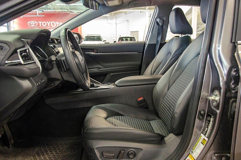 Toyota Camry 4-Door Sedan SE 8A 2018 à Verdun, Québec - 26 - w1024h768px