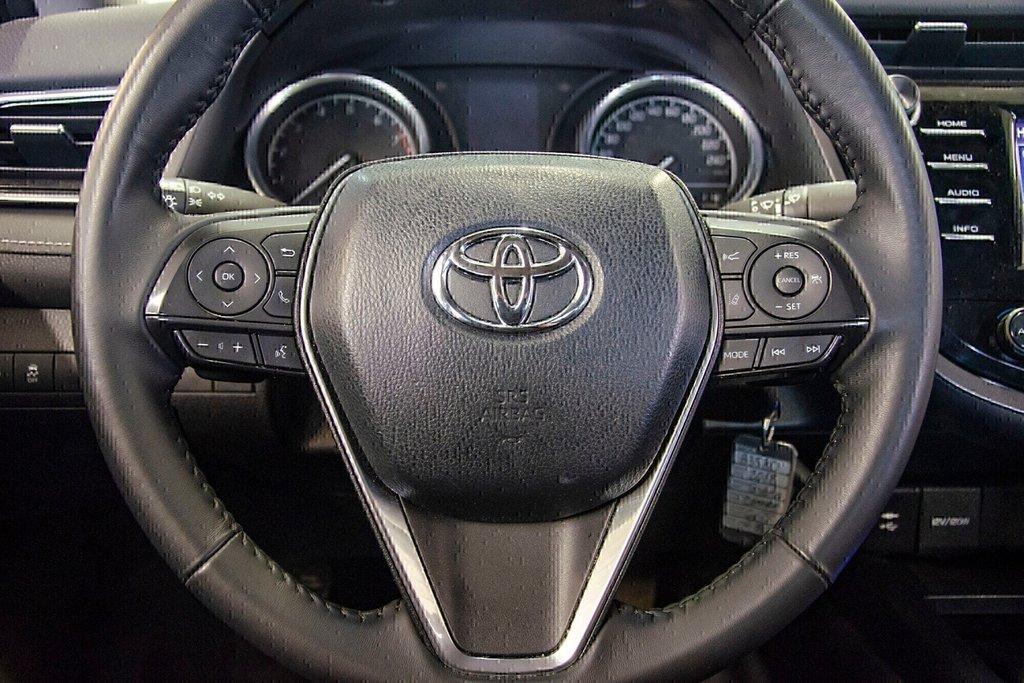 Toyota Camry 4-Door Sedan SE 8A 2018 à Verdun, Québec - 17 - w1024h768px