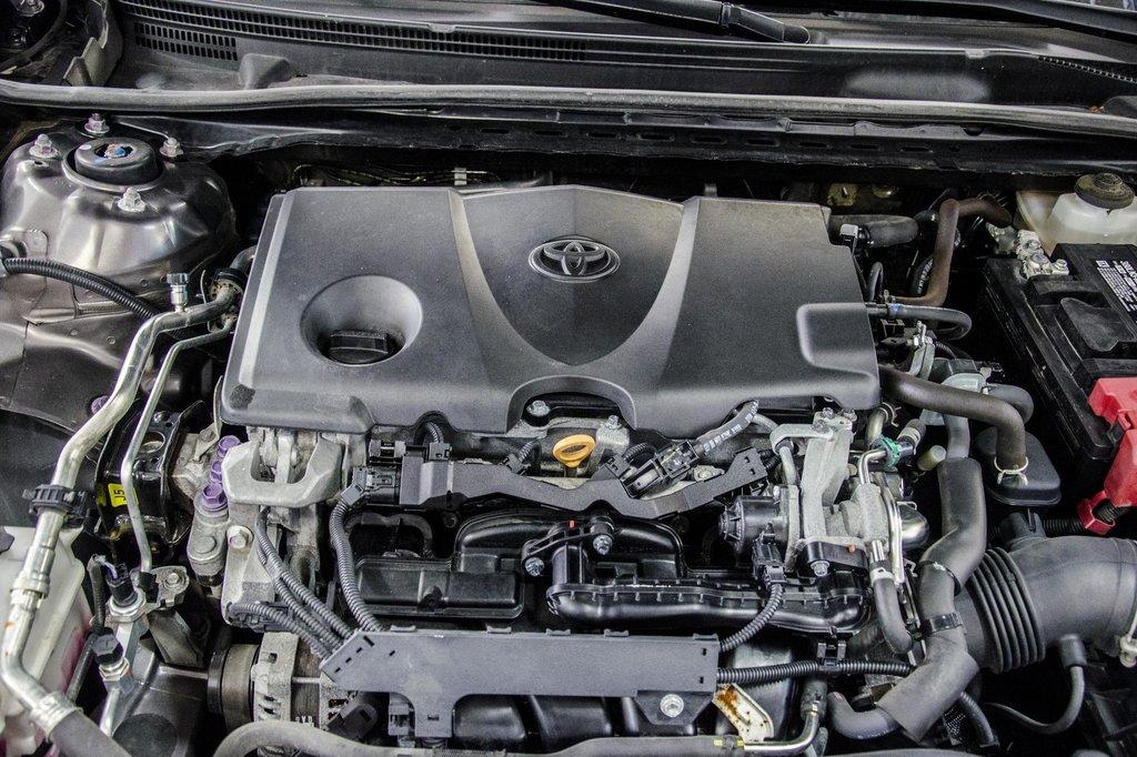 2018 Toyota Camry 4-Door Sedan LE 8A in Verdun, Quebec - 38 - w1024h768px