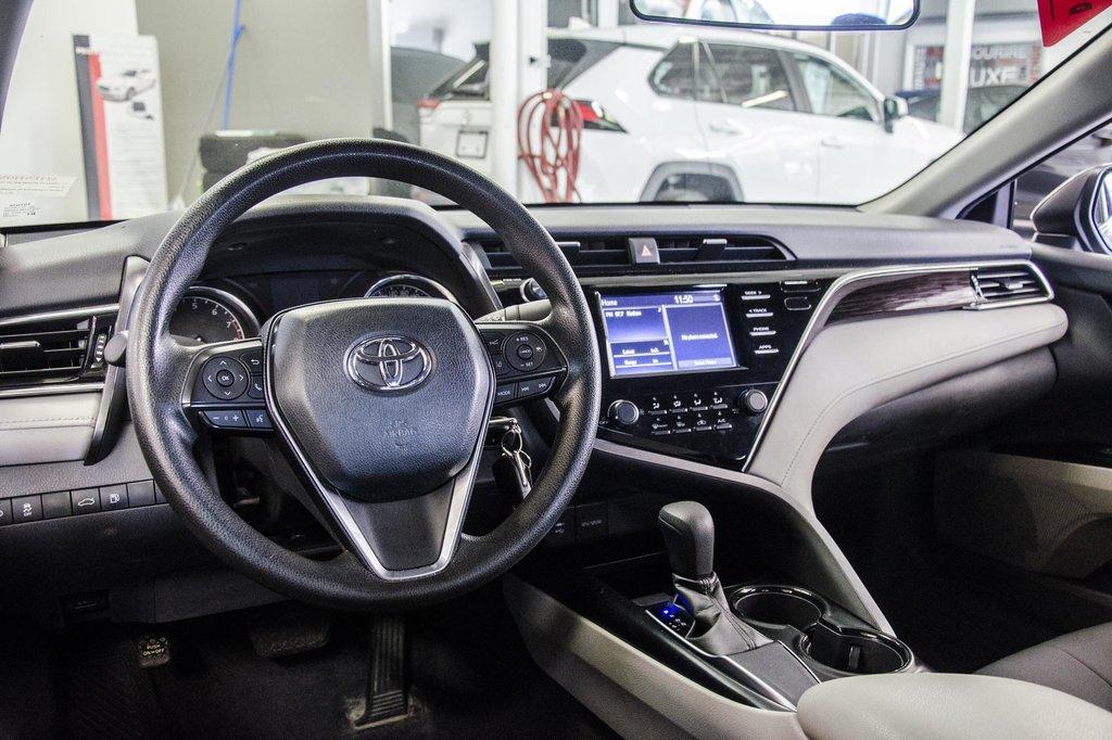 2018 Toyota Camry 4-Door Sedan LE 8A in Verdun, Quebec - 52 - w1024h768px