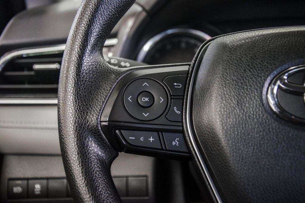 2018 Toyota Camry 4-Door Sedan LE 8A in Verdun, Quebec - 55 - w1024h768px