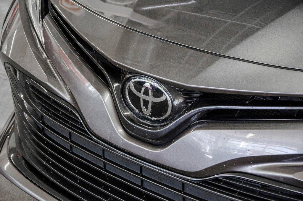 2018 Toyota Camry 4-Door Sedan LE 8A in Verdun, Quebec - 34 - w1024h768px