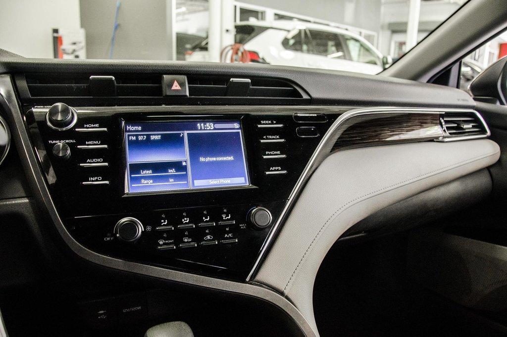 2018 Toyota Camry 4-Door Sedan LE 8A in Verdun, Quebec - 59 - w1024h768px