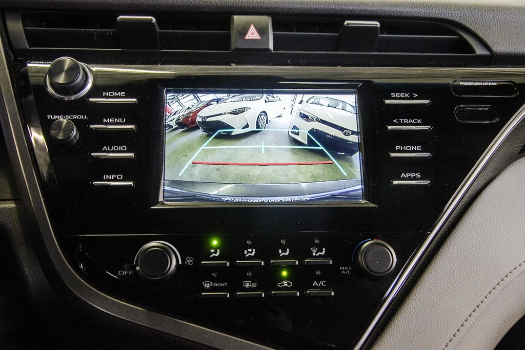 2018 Toyota Camry 4-Door Sedan LE 8A in Verdun, Quebec - 61 - w1024h768px