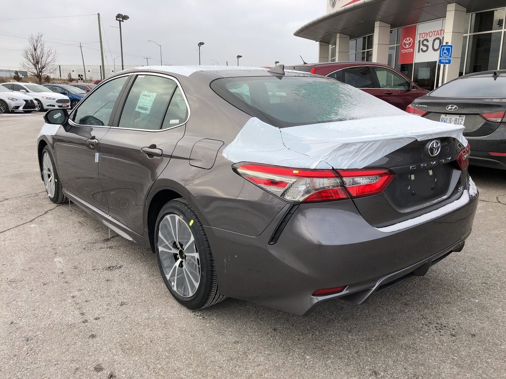 2019 Toyota Camry SE in Bolton, Ontario - 7 - w1024h768px