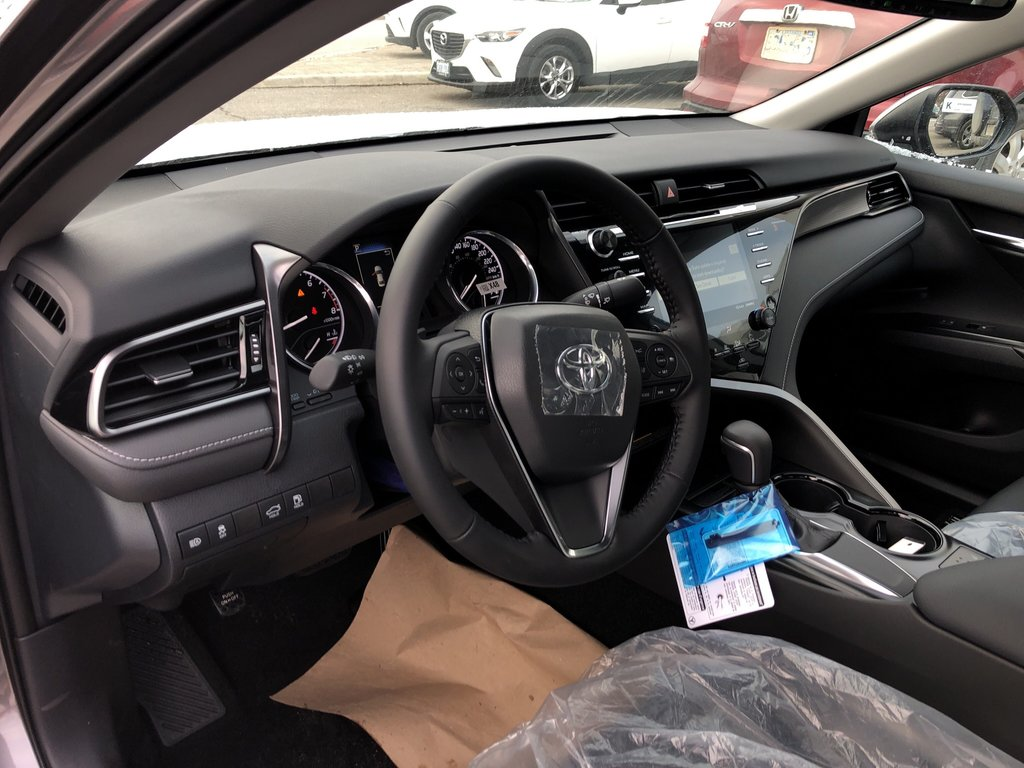 2019 Toyota Camry SE in Bolton, Ontario - 10 - w1024h768px
