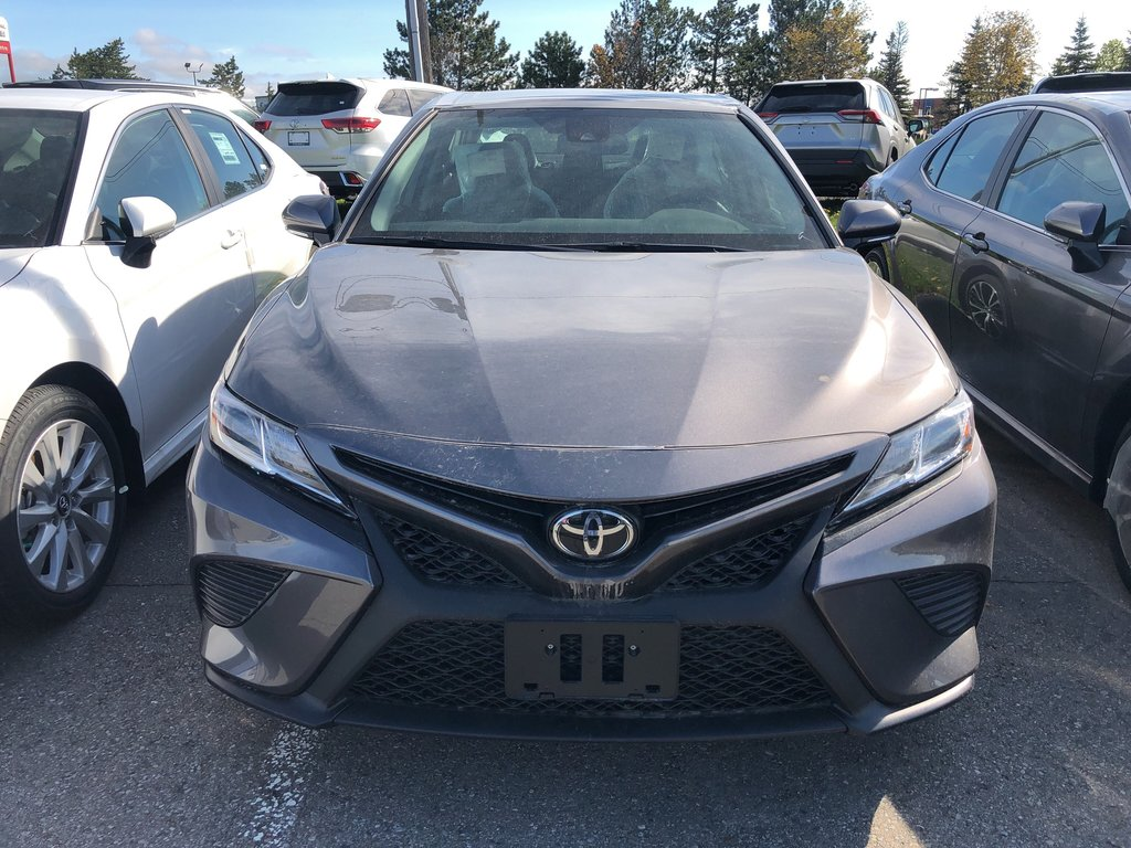 2019 Toyota Camry SE in Bolton, Ontario - 2 - w1024h768px