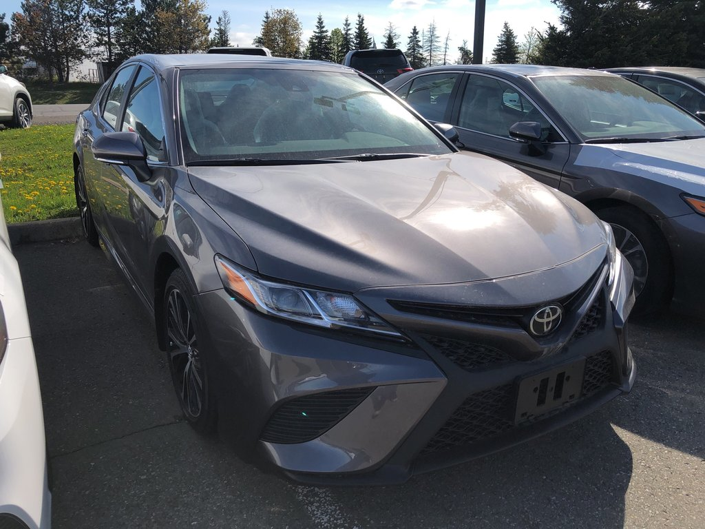 2019 Toyota Camry SE in Bolton, Ontario - 3 - w1024h768px