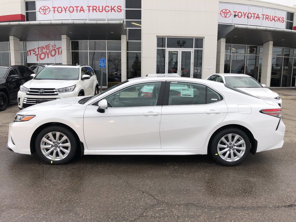 2019 Toyota Camry SE in Bolton, Ontario - 8 - w1024h768px