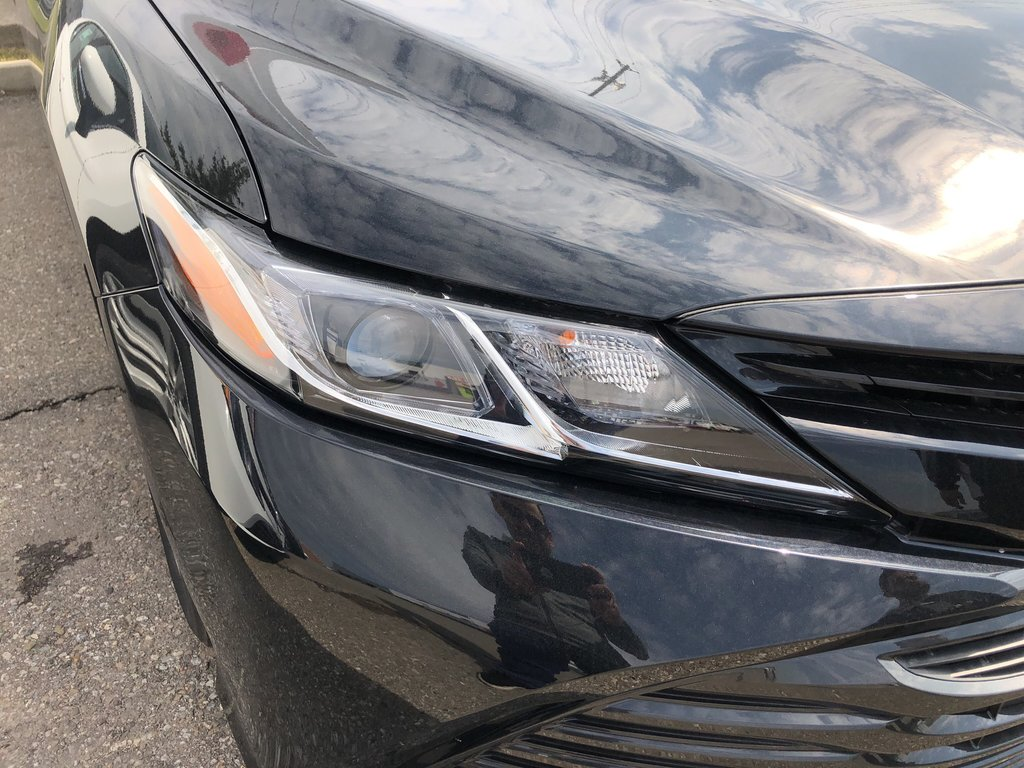 2019 Toyota Camry LE in Bolton, Ontario - 4 - w1024h768px