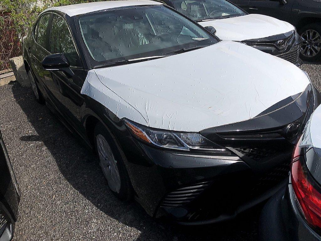 Toyota Camry SE 2019 à Verdun, Québec - 2 - w1024h768px