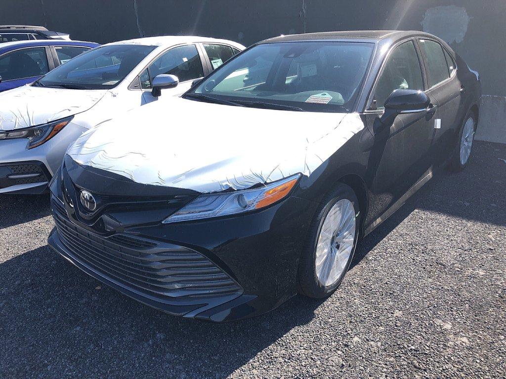 Toyota Camry XLE 2019 à Verdun, Québec - 1 - w1024h768px