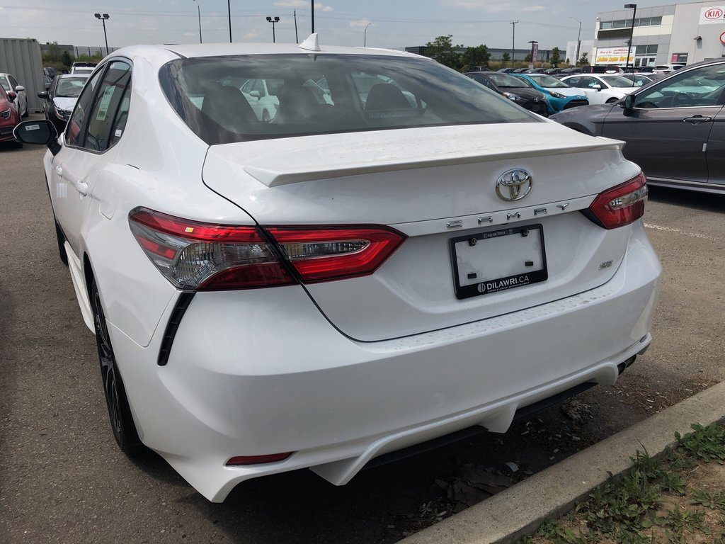 2019 Toyota Camry SE in Bolton, Ontario - 5 - w1024h768px