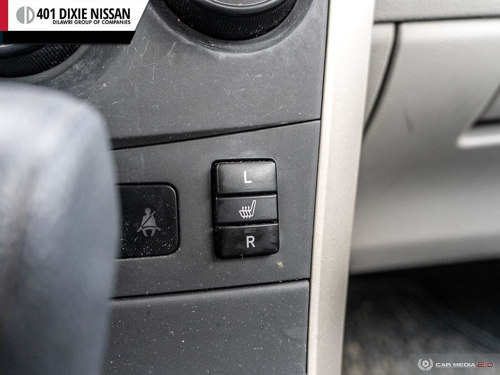 2013 Toyota Corolla 4-door Sedan LE 4A in Mississauga, Ontario - 25 - w1024h768px
