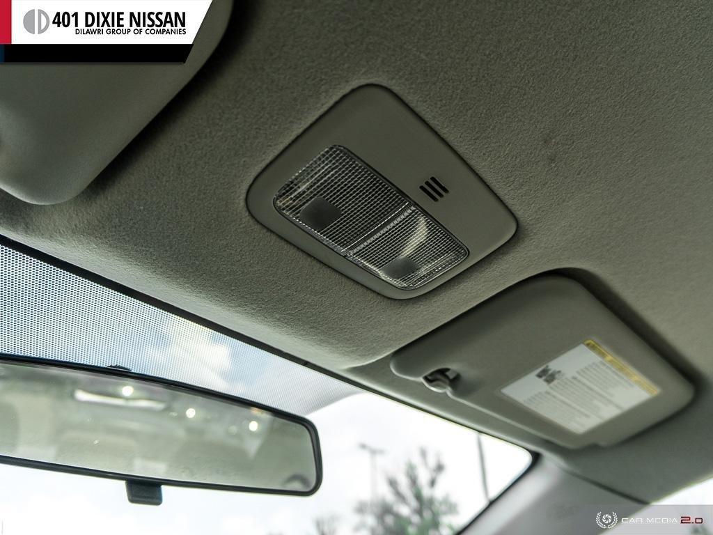 2013 Toyota Corolla 4-door Sedan LE 4A in Mississauga, Ontario - 20 - w1024h768px