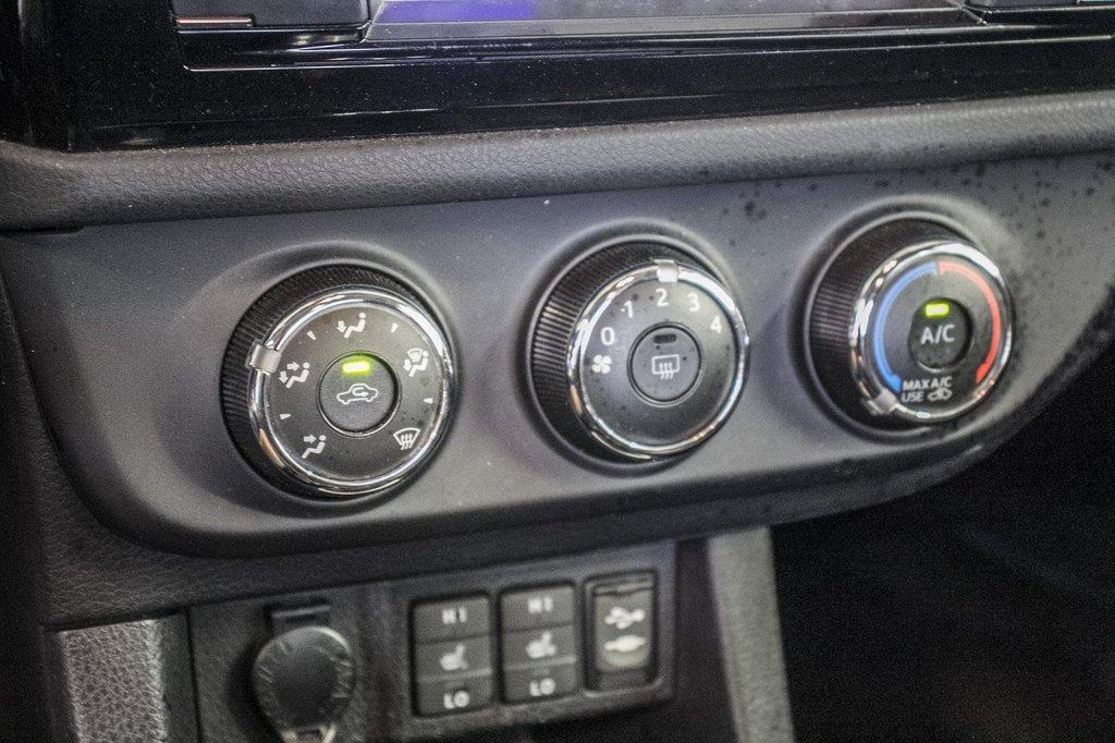 2015 Toyota Corolla S/Caméra Recul/ Banc Chauffants / Bluetooth in Verdun, Quebec - 24 - w1024h768px