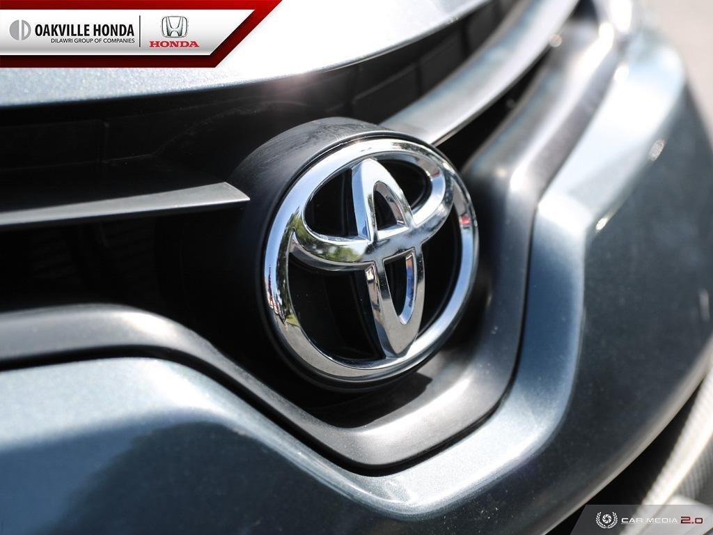 2016 Toyota Corolla 4-door Sedan CE 4A in Oakville, Ontario - 9 - w1024h768px