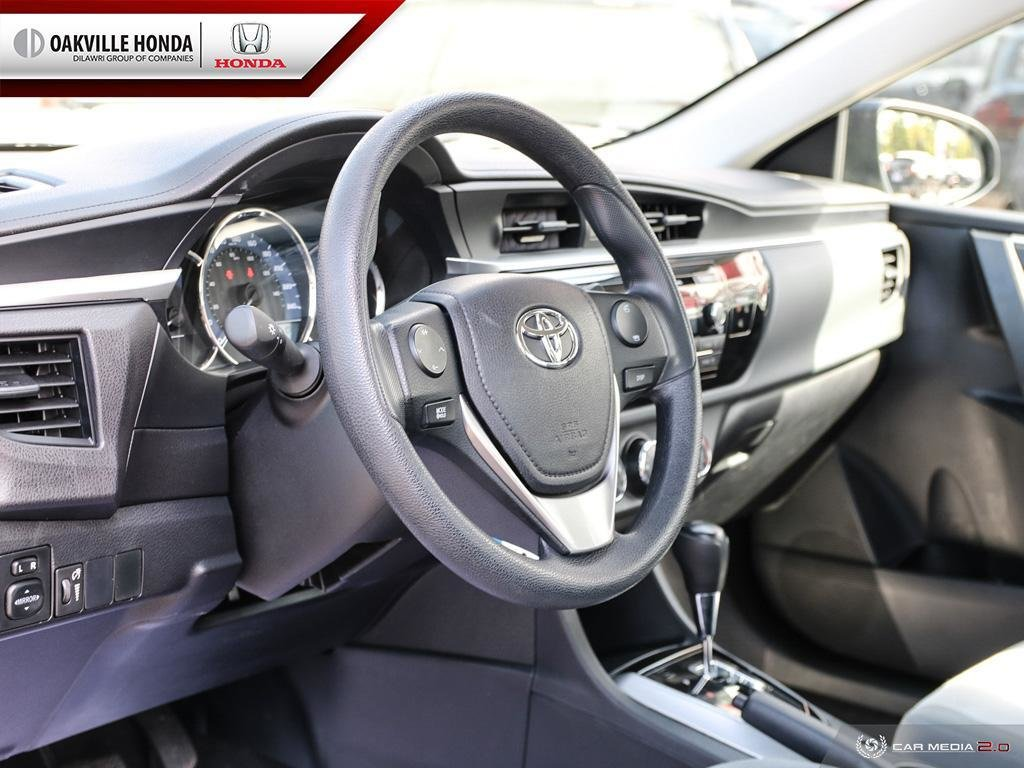 2016 Toyota Corolla 4-door Sedan CE 4A in Oakville, Ontario - 13 - w1024h768px