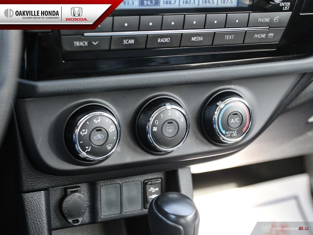 2016 Toyota Corolla 4-door Sedan CE 4A in Oakville, Ontario - 20 - w1024h768px