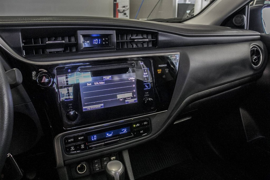Toyota Corolla Toit Ouvrant / Caméra Recul / Sièges Chauffants 2017 à Verdun, Québec - 21 - w1024h768px