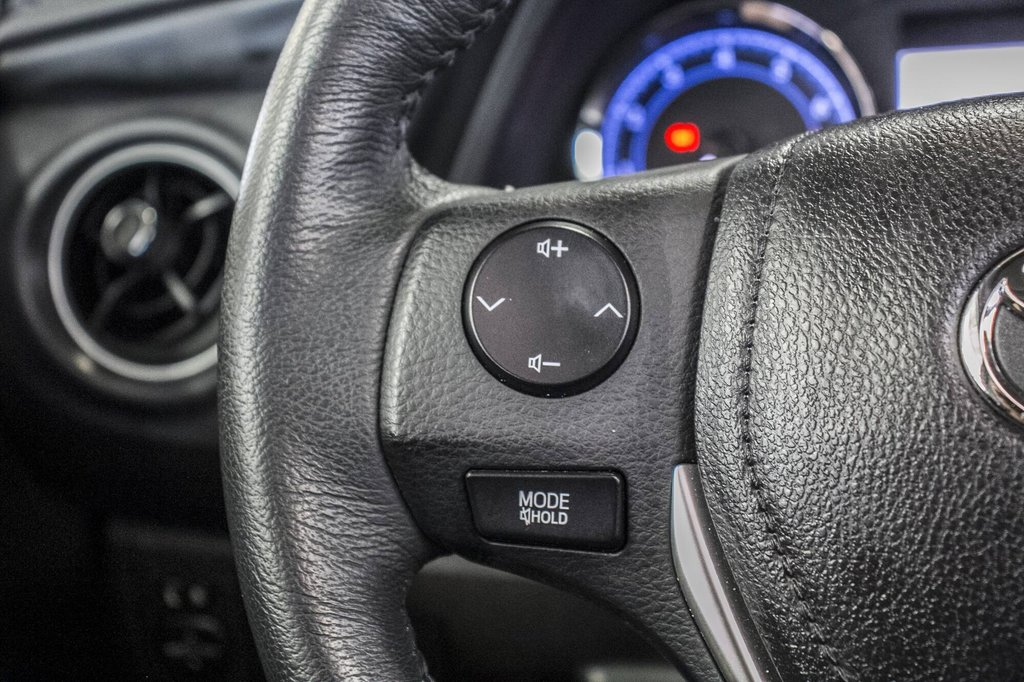 Toyota Corolla Toit Ouvrant / Caméra Recul / Sièges Chauffants 2017 à Verdun, Québec - 18 - w1024h768px