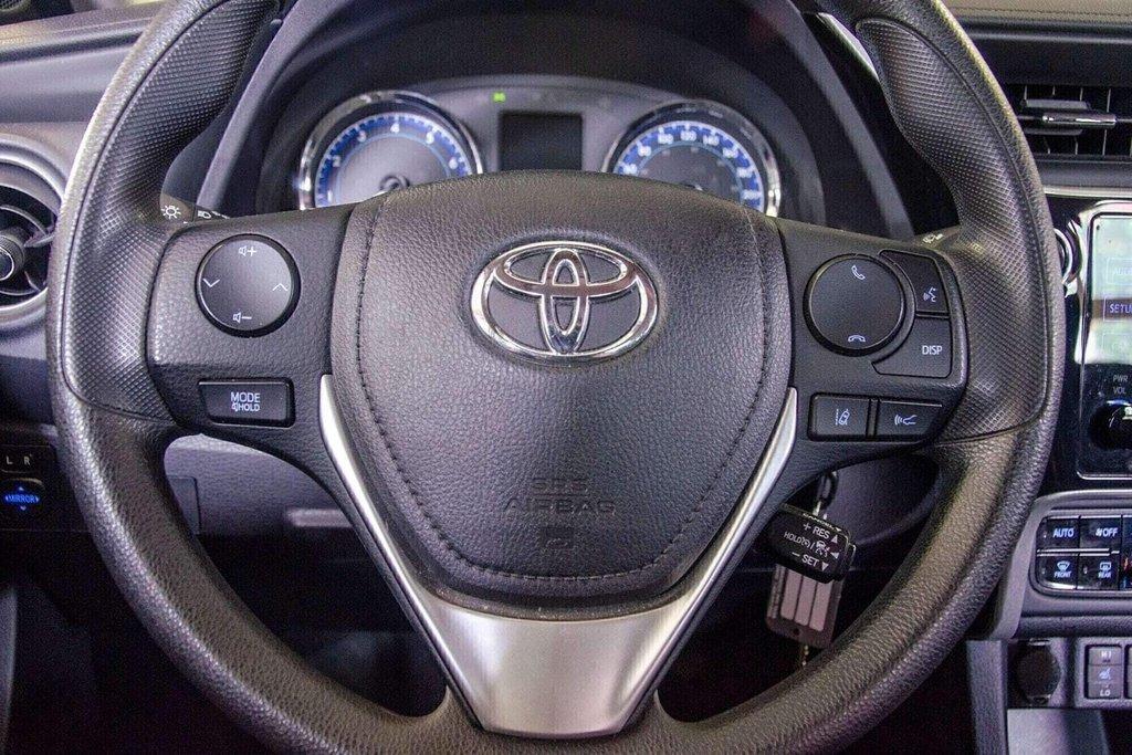 2018 Toyota Corolla LE / Caméra / Bluetooth / Sièges chauffants / Air in Verdun, Quebec - 12 - w1024h768px