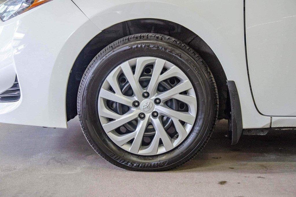 2018 Toyota Corolla LE / Caméra / Bluetooth / Sièges chauffants / Air in Verdun, Quebec - 36 - w1024h768px
