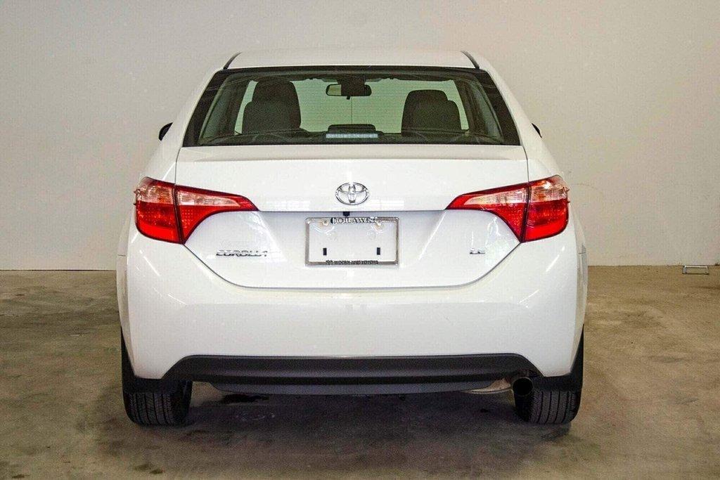 2018 Toyota Corolla LE / Caméra / Bluetooth / Sièges chauffants / Air in Verdun, Quebec - 7 - w1024h768px