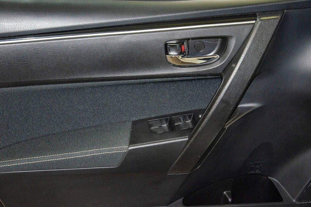 2018 Toyota Corolla LE / Caméra / Bluetooth / Sièges chauffants / Air in Verdun, Quebec - 28 - w1024h768px