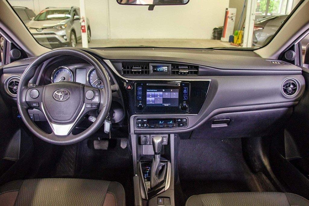2018 Toyota Corolla LE / Caméra / Bluetooth / Sièges chauffants / Air in Verdun, Quebec - 24 - w1024h768px