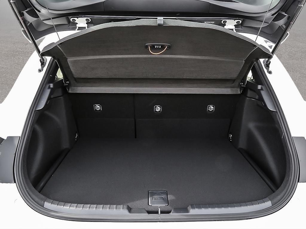 Toyota Corolla Hatchback CVT 2019 à Verdun, Québec - 7 - w1024h768px