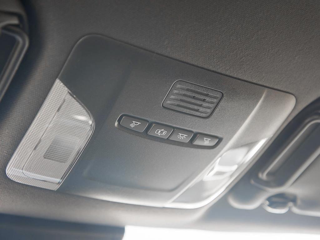 Toyota Corolla Hatchback 6M 2019 à Verdun, Québec - 19 - w1024h768px