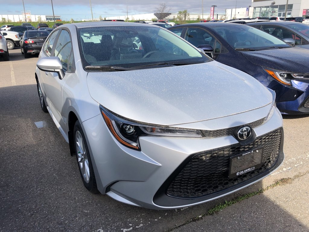 2020 Toyota Corolla 4-door Sedan LE CVT in Bolton, Ontario - 3 - w1024h768px