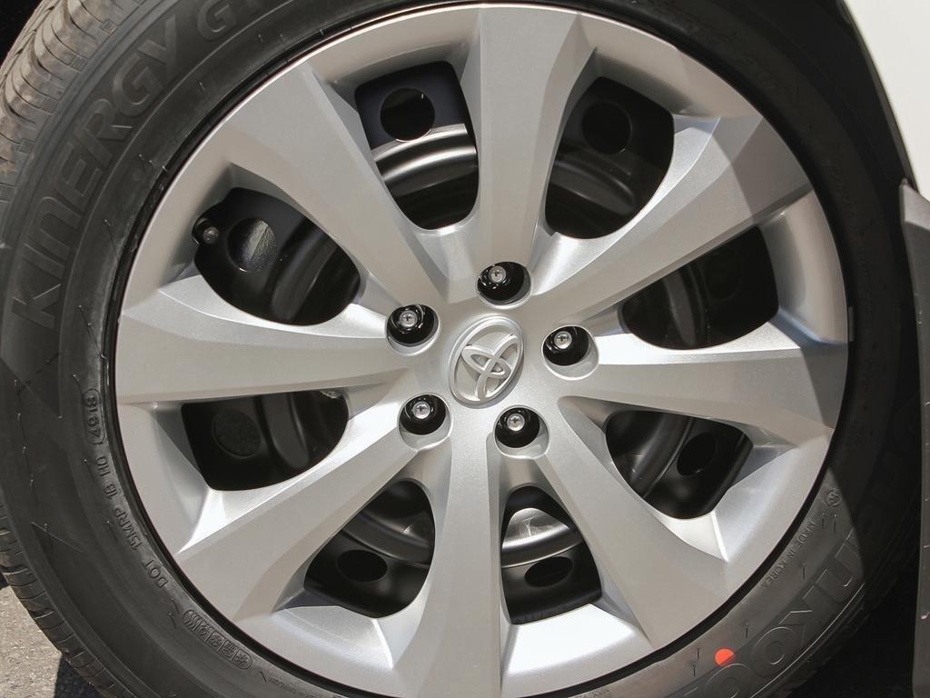 Toyota Corolla LE UPGRADE 2020 à Verdun, Québec - 8 - w1024h768px
