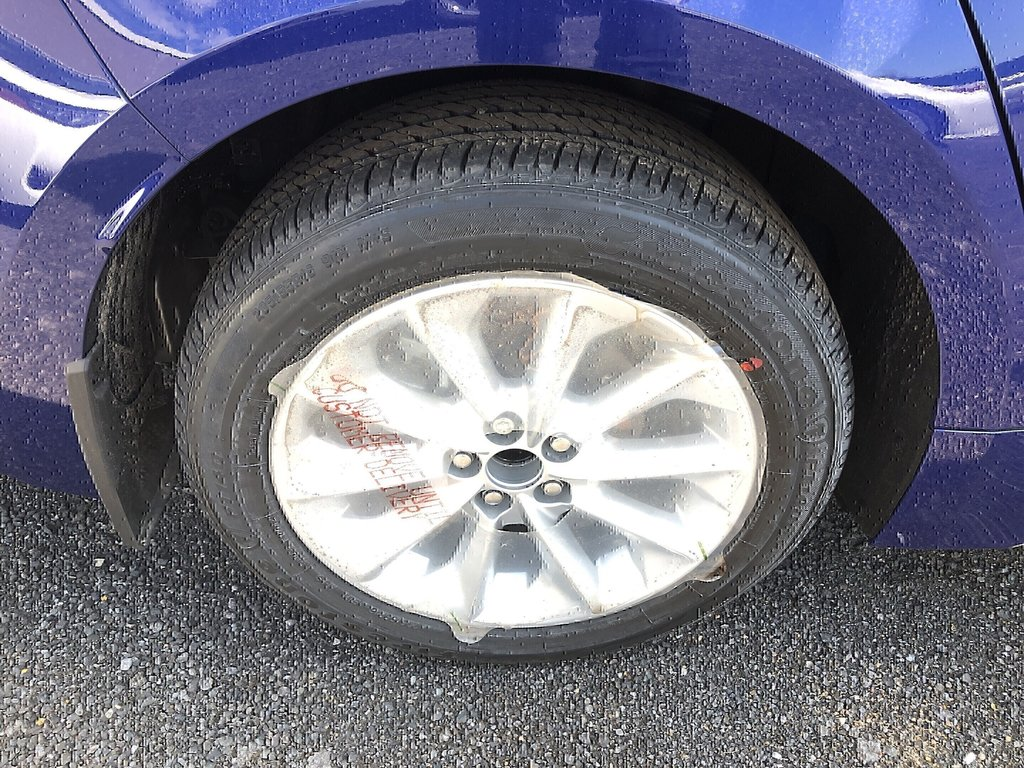 Toyota Corolla 4-door Sedan SE CVT 2020 à Verdun, Québec - 4 - w1024h768px